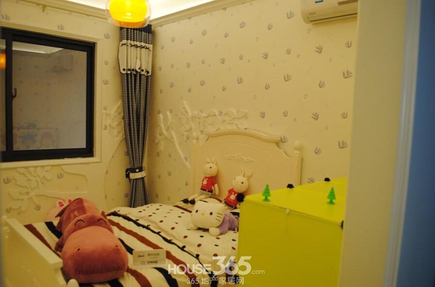华南城紫荆名都样板间儿童房