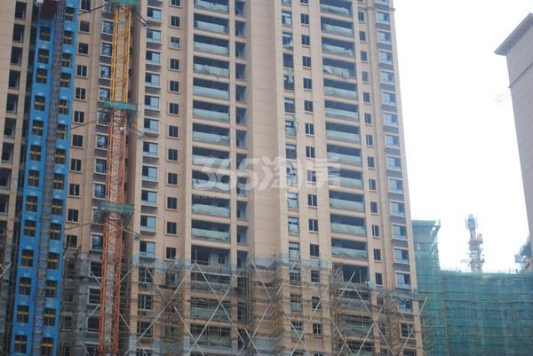 雅居乐中心广场15#楼实景图(2015.7 摄)