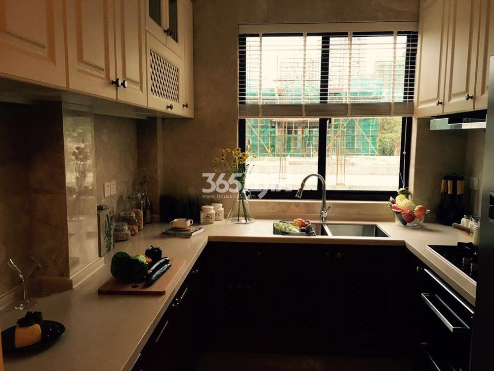 银亿东城165㎡联排别墅样板间厨房