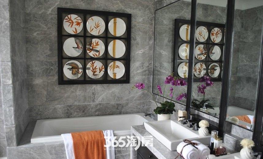 保利西山林语小区内部浴室实景(2017.7)