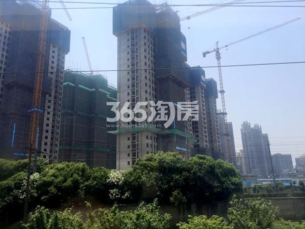 世茂时光里3#、4#、6#楼超高层工程实景(2017.5摄)