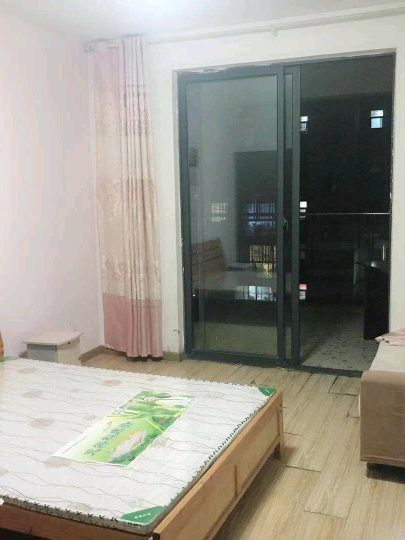 玉翠园3室1厅1卫90平米